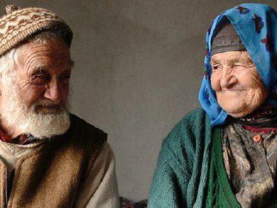 hidup bahagia di usia tua