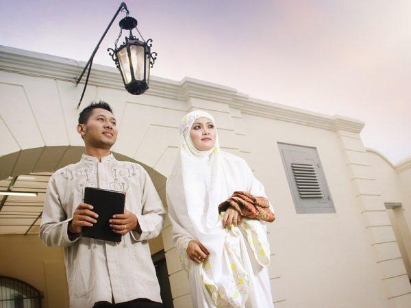 istri shalihah dan suami shalih (6)