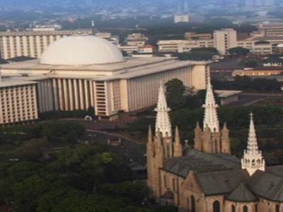 muslim ikut membangun gereja