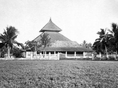 Wajah Islam di Tanah Jawa (Sebuah Pengantar)