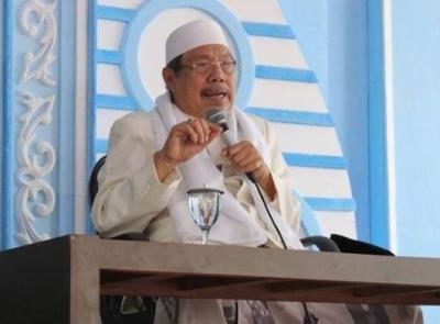 Kyai Tolchah Hasan Sang Kyai Multi-Pesantren