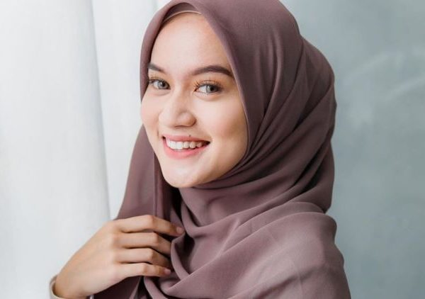 Jilbab Pada Muslimah, Kesadaran Akan Hukum dan Fungsinya