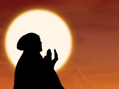 Permata Keilmuan : Sayyidah Nafisah dan Karomahnya